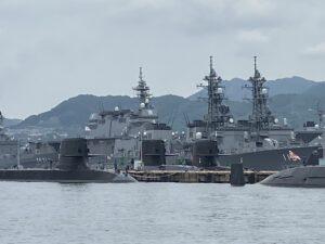 アレイからすこじまの潜水艦と船